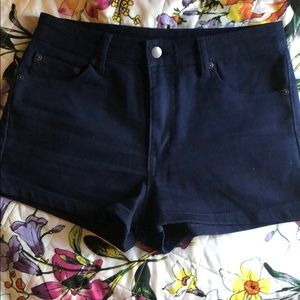 Size 28 forever 21 denim shorts mid rise